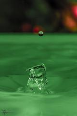 Drops 2 (Canonier82) Tags: wasser tropfen makro farben bunt splash canon eos70d