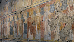 Left aisle with Christ Enthroned (far left) and Greek saints (right), c. 757-767, Santa Maria Antiqua, Rome