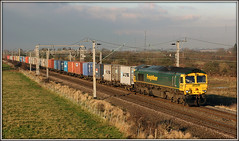 66576 at the Toft (Jason 87030) Tags: december 2007 cano train frecht freight freightliner 66567 shed class66 gm 4l93 light lawleystreet lawleyst felixstowe cargo boxes liner containers lighting barbynortoft loop wcml northants northamptonshire