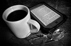Coffee table book (WB.Photography) Tags: coffee kindle still life black white pentax k20d pentaxda 1855mm ƒ35 kindletouch blackwhite blackandwhite coffeecup coffeetablebook stilllife smcpentaxda1855mmf3556alii smcpentaxda18553556alii