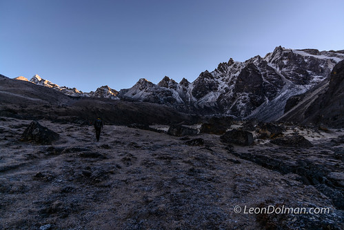 2016-10-11 - Renjola Gokyo Everest BC trek - Day 08 - Lumde to Gokyo over Renjo La Pass - 064319.jpg