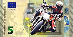 5 EURO (driver Photographer) Tags: 5€ 摩托车,皮革,川崎,雅马哈,杜卡迪,本田,艾普瑞利亚,铃木, オートバイ、革、川崎、ヤマハ、ドゥカティ、ホンダ、アプリリア、スズキ、 aprilia cagiva honda kawasaki husqvarna ktm simson suzuki yamaha ducati daytona buell motoguzzi triumph bmv driver motorcycle leathers dainese