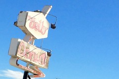 The Jelly Donut (that's keen) Tags: yuccavalley sign signage vintagesign donut typography california