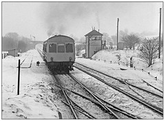 Memory loss? (geoff7918) Tags: snow cold manchester frost miserable signalbox edale hopevalley metrocammell 0932sheffield 7891878968