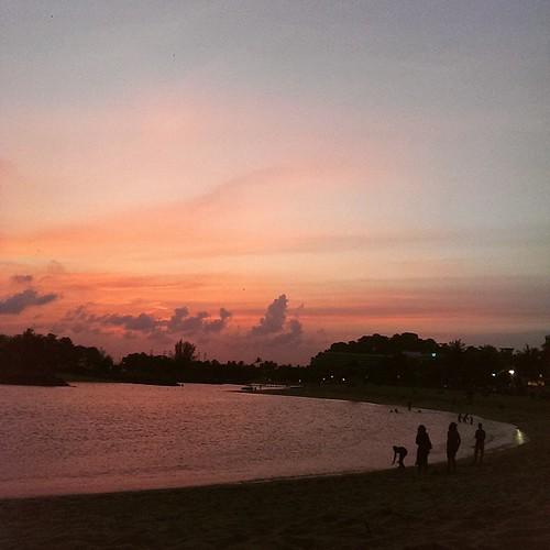#sunsetbythebay #sunset #evening #colorful #horizons #daywellspent #silhouette