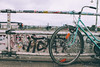 Amare l'ambiente, rispettare l'ambiente. (Gianluca De Simone) Tags: bicicletta cycle bicycle berlin tag graffiti murales people vintage film pellicola agfa vista old freedom hippy alternative underground eco no smog ecologia ecology system germania colour germany street photography foto di strada lifestyle dettaglio azzurro light blue