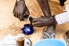 La préparation du thé (DeGust) Tags: niamey thé nikond3s afrique niger mains afriquedelouest corps nikkor85mmf14 africa hands ne ner teatime westafrica أفريقيا أيادي النيجر نيامي 尼亚美 尼日尔 手 非洲