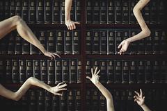Lo tuyo.. (Ángela Burón) Tags: mano brazo pierna codo libros enciclopedia espasa calpe ilustrada books shelf hand hands surreal