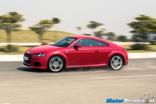 2015-Audi-TT-12