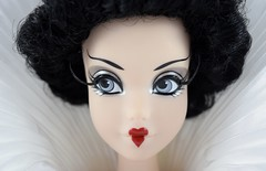 Limited Edition Queen of Hearts 17'' Doll - Disney Store - eBay Purchase - Deboxed - Standing - Tight Closeup Front View (drj1828) Tags: standing us doll ebay collectible purchase limitededition disneystore aliceinwonderland queenofhearts 17inch posable deboxed