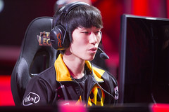 NA LCS Summer 2015 Week 3 (lolesports) Tags: america championship team dragon counter tl lol north 8 na gaming gravity knights tip american legends series liquid dig cloud9 league enemy nme impulse tdk c9 logic gv tsm esports lcs t8 dignitas solomid lolesports