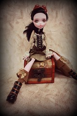 Draculaura (MeonFox) Tags: monster photography high doll dolls pirates pirate photoart repaint iloveshoes dollphotography monsterhigh draculaura meonfox