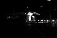 Kiosk (Haberama) Tags: münchen munich nacht strase street dunkel licht canon weihnachten baum gata