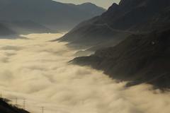 nubi basse in Valcamonica (il goldcat) Tags: goldcat nubi nuvolo vallecamonica valsalarno cevo alpi alp montagna mountains italy italia e cev