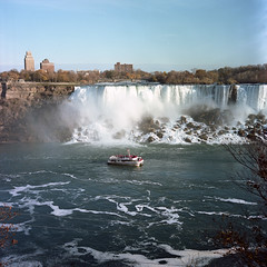Niagara Falls - November 2016 (.:Axle:.) Tags: niagarafalls ontario canada waterfall americanfalls horseshoefalls naturalwonder wonderoftheworld nature water niagarariver clifftonhill tourists rolleiflex rolleiflex28f tlr 120 mediumformat 6x6 square carlzeissplanar80mm128 kodak kodakportra160nc portra160nc asa160 c41 unicolorc41kit epsonv700 adobephotoshopcc film filmphotography believeinfilm filmisalive filmisnotdead
