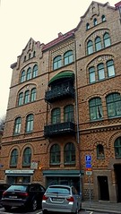 Façade, Göteborg (blondinrikard) Tags: façade building hus husfasad fasad brickhouse brickbuilding göteborg architecture storgatan windows balconies windowsandbalconies fenster fenêtre balcon ventanas fönster balkonger