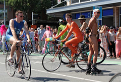 IMG_0423 (kirknelson) Tags: seattle naked nude fremont nakedbikers solsticeparade nudecyclists