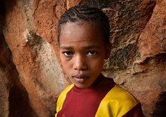 Wolayta Girl (Rod Waddington) Tags: africa african afrika afrique ethiopia ethiopian ethnic etiopia ethnicity ethiopie etiopian äthiopien wollaita wolayta tribe traditional tribal culture cultural cave girl child portrait indoor people