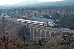 Viaducto Miraflores (Mariano Alvaro) Tags: miraflores sierra 333 104 renfe diesel directo viaducto burgos irun bilbao hendaya humo gm tren train talgo