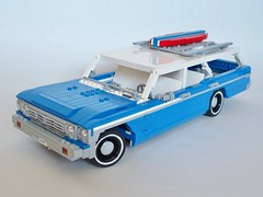 1964 Ford Country Wagon (Cappaccinio) Tags: 1964 ford country wagon blue big surfboard chrome lego land yacht v8 whitewalls roofracks more bench seat
