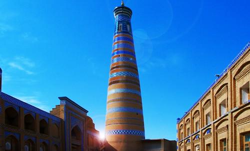 "Torres legendarias / Faros, minaretes, campanarios, rascacielos • <a style=""font-size:0.8em;"" href=""http://www.flickr.com/photos/30735181@N00/32155282590/"" target=""_blank"">View on Flickr</a>"