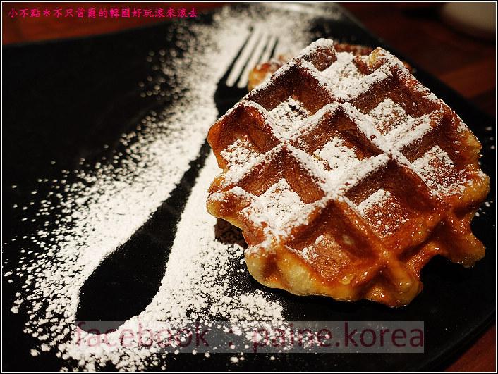 新村梨大 waffle it up cafe (11).JPG