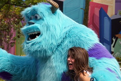 Sulley in DCA (GMLSKIS) Tags: california disney amusementpark anaheim dca sulley californiaadventure disneycaliforniaadventure
