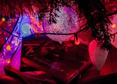 2016-12-26 – Last Christmas (George Michael) (Robert - Photo du jour) Tags: décembre 2016 aufildutemps lastchrismas georgemichael noël triste boules rouge synfonia georges dvd musique