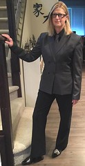 Jacqui (bof352000) Tags: woman tie necktie suit shirt fashion businesswoman elegance class strict femme cravate costume chemise mode affaire