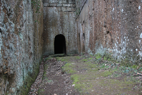 Hike in Marturanum Park to find the lost Etruscan tombs