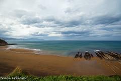 Sopela-007-2 (fadercini) Tags: mar sopela nubes playa rocas