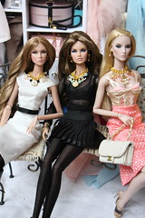 The girls and their jewels (Isabelle from Paris) Tags: doll jewelry fashionroyaltydoll key pieces elyse jolie elise fashion royalty nuface supermodel convention full speed erin never ordinary eden ooak reroot