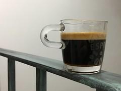 Día 165 | Al borde del abismo (Chimista) Tags: iphone iphone6splus 365coffeeroad café taza cristal baranda jaén