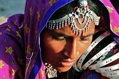 India-Gujarat- Gipsy camp in Dasada (venturidonatella) Tags: india asia gujarat dasada gipsy portrait ritratto persone people gentes colori colors emozioni gioielli volto face faces faccia nikon nikond300 d300 donna donne women woman