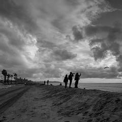 _DSC4867-2 (exceptionaleye) Tags: availablelight blackwhite beach pacificocean pacific pacificbeach park pier publicspace sandiego southerncalifornia sony shore sunset landscape exceptionaleye variotessar16354za zeiss za clouds cloudssunset california shoreline shilloute sonyphotographing