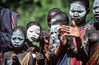 Surma : aholay dance #3 (foto_morgana) Tags: portraits dance hands tribes ethiopia surma