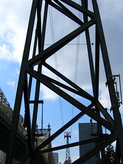 tramway (minicloud) Tags: nyc newyorkcity newyork geotagged march industrial tram 2006 structure rooseveltisland rooseveltislandtram geolat40757393619007 geolon73955225016609