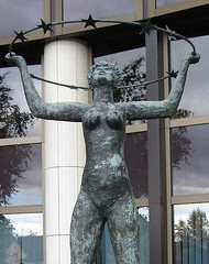 estatua de las 12 estrellas (EMEeuropa) Tags: francia estrasburgo
