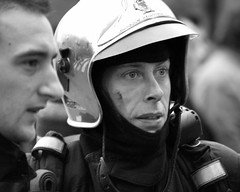 March 23, 2006 - 18:10 (Hughes Lglise-Bataille) Tags: portrait blackandwhite bw paris france topf25 photojournalism olympus 2006 demonstration fireman streetphoto manifestation cpe e500 topv1000 topv2000