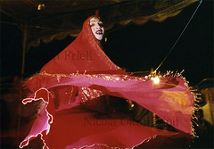 Hijras-01 (Nicola Okin Frioli) Tags: pakistan woman male female photography photo women asia foto nicola muslim islam culture photojournalism half pakistani fotografia trans lahore cultura islamic hijra islamica curiosità omosessuali tradizione fotogiornalismo okin frioli transgenders hijras homosexsual okinreport wwwokinreportnet nicolaokinfrioli travestiti islamici transexsual transessuali intersexuals mussulmana nicolafrioli
