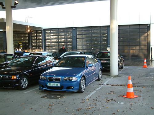 Shiny Blue BMW 320cd