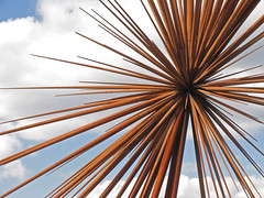 B of the Bang (Richard Sweeney) Tags: sculpture art manchester steel modular spines spikey artsculpture bofthebang thomasheatherwick steelsculpture
