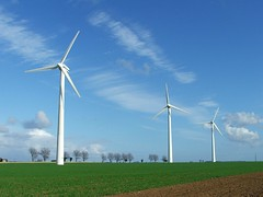 fanning the clouds (vvt) Tags: blue trees cloud skies norfolk getty fields vvt wisps somerton windturbines