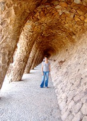Tania Daniela - Parc Guell (JBF mx) Tags: barcelona espaa art architecture spain arquitectura europa europe arte gaud daniela f828 modernismo tania ola arquitecto antonigaud jbf