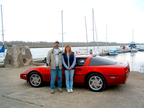 Tom & Lois Hiltz 's 1989 red coupe