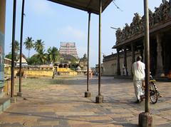 chidambaram-18.jpg (byronic501) Tags: india temple south 2006 shiva nataraja tamil tamilnadu chidambaram
