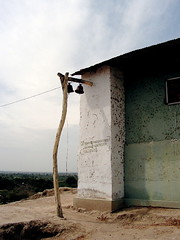 Restos de fe sobre el valle. Narihuala, Piura (Jose Alarco) Tags: peru church piura