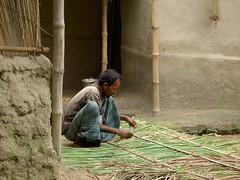 Making a rooftop (adrenalin) Tags: bangladesh developingcountry