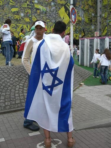 Fans mit Israelfahne während der wm 2006