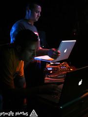 Fluid 456 Edit (Dan Correia) Tags: topv111 powerbook macintosh topv333 dj ibook laptop mixer turntables drumnbass finalscratch seratoscratch asides djelixir canonefs1785mmf456isusm